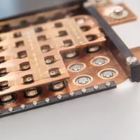 Laserstrahl ermöglicht Leichtbau-Batteriepacks für Elektroautos