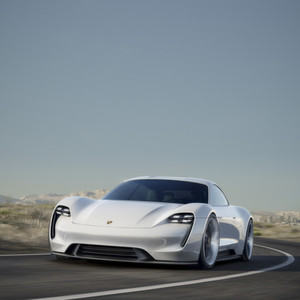 Auf Tesla-Jagd: Der Porsche Mission E mit 600 PS und 500 km Reichweite