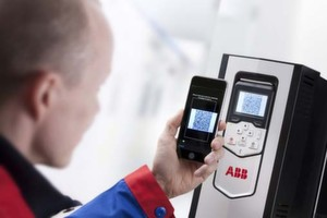 ABB-Frequenzumrichter erzeugen ein dynamisches QR-Tag, das mit der Smartphone-App Drivebase gelesen werden kann.