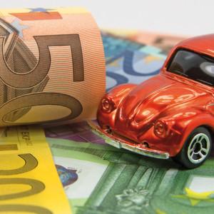 Sinkende Kraftstoffpreise entlasten Autofahrer