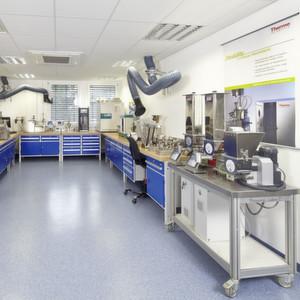 Thermo Fisher Scientific eröffnet neues Kunden- und Laborzentrum