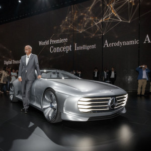Transformer-Mercedes passt seine Karosserieform der Geschwindigkeit an