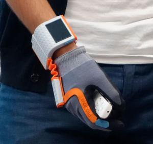 Der multifunktionale Datenhandschuh von Pro Glove ersetzt den Barcodes-Sanner am Montageband.