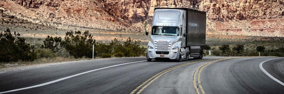 Beispiel für Industrie 4.0: Im Mai dieses Jahres hatte der Daimler-Truck Weltpremiere auf einem US-Highway in Nevada.