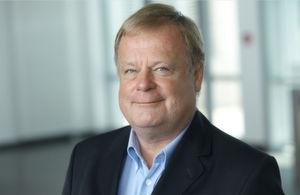 Friederich Vollmar ist seit Anfang 2000 in der IBM Software Group als Bereichsleiter für ein Team im technischen Vertrieb zuständig.