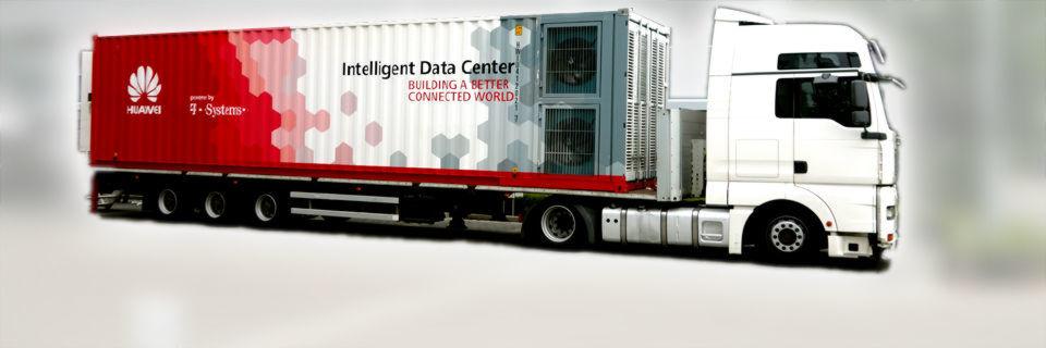 """Mit eingebauter Kühlung und optionalen Generatoren lässt sich die """"Cloud auf Rädern"""" weitgehend autark betreiben."""