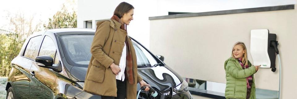 Batterien von E-Autos schneller und sicherer laden