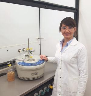 Acrylierte Phenole durch effiziente, lösemittelfreie Kondensation