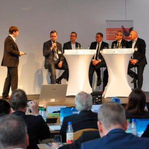 """Experten diskutierten beim """"Mobile.de Weckruf"""" über Kundenbewertungen im Internet."""