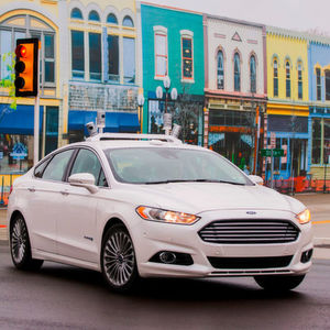 "Autonom durch die Miniaturstadt ""Mcity"": das Ford Fusion Hybrid Autonomous Research Vehicle."