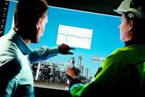 """ABB stellt seine neuen Produkte zur SPS IPC Drives 2015 vor: Unter anderem eine neue Version der Produktivitätssoftware """"Decathlon"""" für die Industrie."""