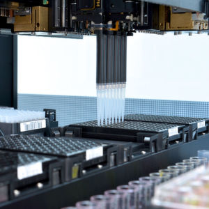 Pipettier-Roboter bekommt Kleckerverbot im Labor