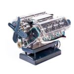 Blick unter die Motorhaube: Dieses Paket enthält einen voll funktionsfähigen 8-Zylinder-Motor, der viele Sportwagen antreibt. Beim Zusammenbauen erfährt man, auf unterhaltsame und einleuchtende Art viel Wissenswertes rund um V8-Motoren im Allgemeinen und die Legende AC Cobra im Besonderen.