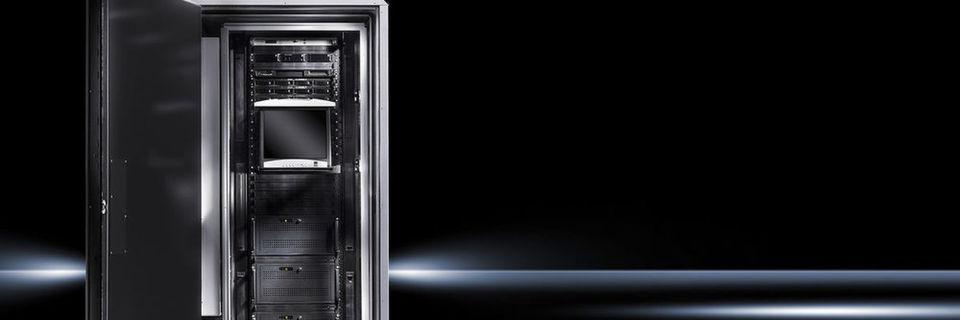Ein modularer Aufbau des Rittal Micro Data Center ermöglicht neben einer Installation an schwer zugänglichen Standorten auch die nachträgliche Einhausung von gewachsenen IT-Strukturen.