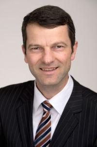 Georg Blum ist Geschäftsführer von 1A Relations. Er ist seit 2003 Vorstandsmitglied im Deutschen Dialogmarketing Verband e.V., Vorsitzender des Councils CRM sowie Lehrbeauftragter an verschiedenen Hochschulen.