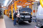 Am kommenden Montag (4. Januar 2016) startet die Produktion bei Volkswagen Nutzfahrzeuge am Standort Hannover auf neuen Bandabschnitten mit höhenverstellbarer Fördertechnik.