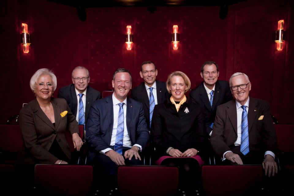 Der Vorstand der Harting Technologiegruppe: Margrit Harting, Dr. Michael Pütz, Philip Harting, Andreas Conrad, Maresa Harting-Hertz, Dr. Frank Brode und Dietmar Harting (v. l. n. r.).