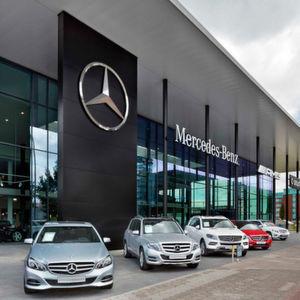 Rekordautoverkäufe stützen Daimlers Umsatz