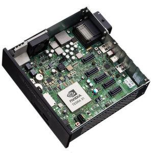 Der Chiphersteller Nvidia hat auf der Technik-Messe CES einen kompakten Supercomputer vorgestellt, mit dem Automobilhersteller selbstfahrende Fahrzeuge entwickeln können.