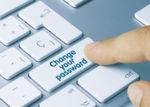 Tipp 3: Nutzer sollten in regelmäßigen Abständen die Kennwörter für die Online-Benutzerkonten bei Shops oder sozialen Netzwerken ändern und für jedes Portal ein anderes Passwort einsetzen. Ein sicheres Passwort besteht aus einer zufälligen Folge von Ziffern und Buchstaben in Groß- und Kleinschreibung. Der Sicherheitshersteller rät dazu, auf Begriffe zu verzichten, die im Wörterbuch zu finden sind.
