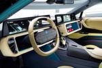 Bei dem Lenkradkonzept kann der Fahrer laut ZF mithilfe eines 'Drive Mode Manager'-Displays (DDM), das sich oben im Lenkrad befindet, entscheiden, ob er das Auto selbst fahren will oder die Kontrolle an das Fahrzeug abgibt.
