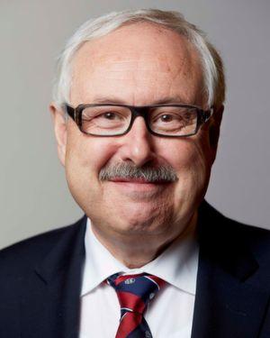 Michael Ziesemer wird zum zum 31. Mai 2016 seine Tätigkeit im Executive Board als Chief Operating Officer und Stellvertreter des CEO beenden und in den Verwaltungsrat wechseln.