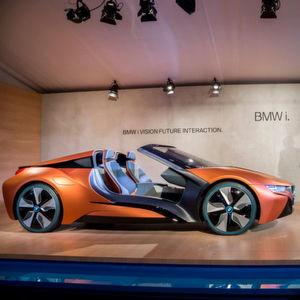 Der BMW Vision Future Interaction ist ein offener i8. Einen solchen i8 Spyder könnte es bald in Serie geben.
