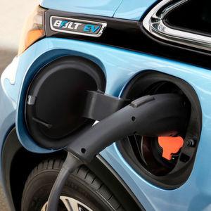 Die Lithium-Ionen-Batterie des Bolt soll angeblich für über 300 Kilometer Reichweite gut sein.
