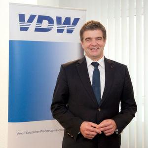 Dr. Heinz-Jürgen Prokop aus dem Hause Trumpf ist ab 1. Januar 2016 neuer Vorsitzender des VDW und des Fachverbandes Werkzeugmaschinen und Fertigungssysteme im VDMA.