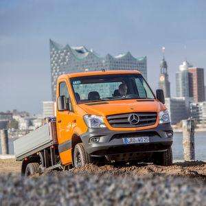 Der Pritschenwagen Oberaigner 6x6 schließt mit einer Nutzlast bis vier Tonnen die Lücke im Sieben-Tonnen-Segment der leichten Transporter.