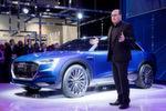 Ricky Hudi, Chef der Elektronikentwicklung bei Audi, prophezeit auf der CES: 'Das Interieur der Zukunft wird die Art und Weise, in der unsere Kunden das Auto bedienen und erleben, grundlegend verändern'.