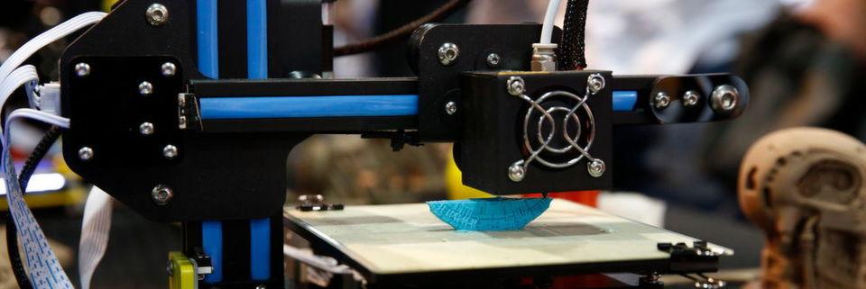 Hersteller von 3D-Druckern ließen sich die Gelegenheit nicht entgehen und zeigten günstige Maschinen erstmals öffentlich.