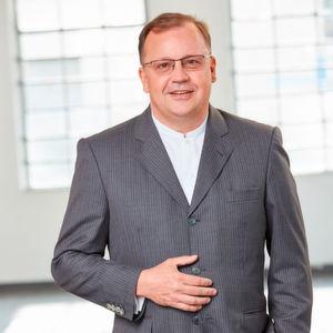 """Francisco-Javier Bähr: """"Mit dem Projekt in Dietzenbach verfügen wir über eine wahre Perle in der logistikaffinen Region. Umso mehr freut es mich, dass wir gerade hier die erste Logistikimmobilie der Fore Group realisieren können. Mit unserem erfahrenen Team werden wir für eine Punktlandung im Zeit- und Kostenplan sorgen und Storopack die Anlage termingerecht übergeben."""""""