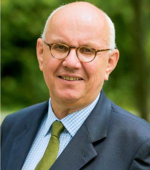 """DFG-Präsident Professor Dr. Peter Strohschneider: """"Das Warten auf die Umsetzung der Exzellenzinitiative hat zu zunehmender Nervosität geführt, vor allem bei den bereits jetzt geförderten Einrichtungen, die wissen wollen, wie es weitergeht, aber auch bei denen, die sich für eine neue Förderung bewerben wollen, und ebenso bei den Wissenschaftsorganisationen, die einen neuen Wettbewerb organisieren müssten."""""""