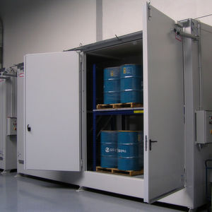 Regallager Typ FBM haben Platz für 32 Fässer á 200 l oder acht IBC.