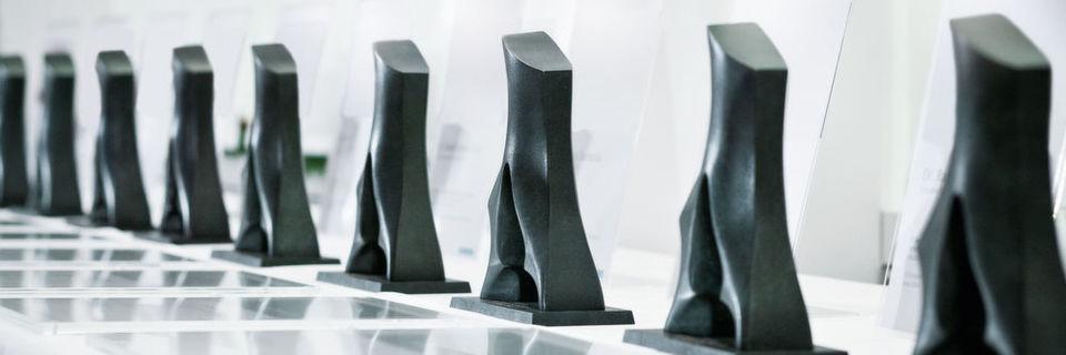 """Siemens ehrt aus über 7.650 Erfindungen im Jahr 2015 neun findige Forscher mit dem Preis """"Erfinder des Jahres 2015""""."""