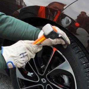 Plötzlicher Luftverlust stellt mit dem Driveguard-Reifen von Bridgestone keine Gefahr mehr dar.