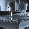 Laser modifiziert das Glas für einen sauberen Schnitt