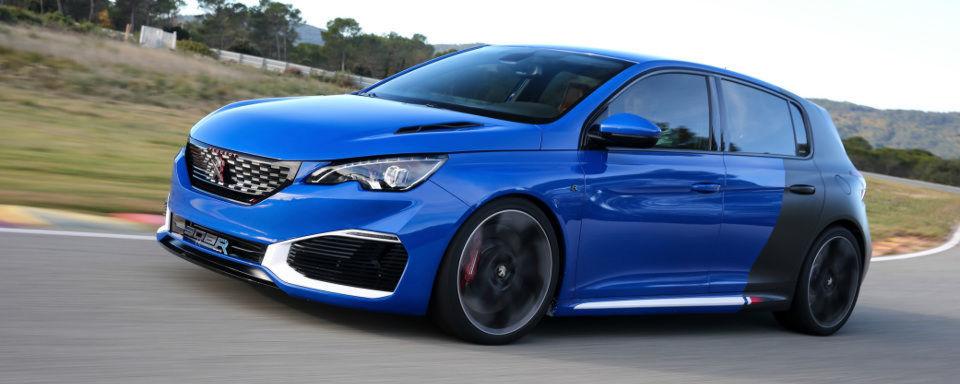 Der Peugeot 308 R-Hybrid leistet mit Turbolader und Elektropower bis zu 500 PS.