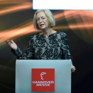 Eröffnungsfeier der Hannover Messe am 12. April 2015 im Hannover Congress Centrum, Hermes Award, Bundesministerin für Bildung und Forschung Prof. Dr. Johanna Wanka