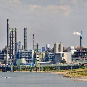 Nur wenige Tage nach Beendigung der Wirtschaftssanktionen hat der Iran den ersten Öl-Deal mit einer europäischen Raffinerie ausgehandelt.