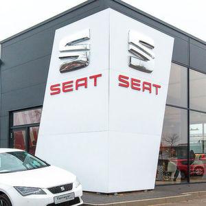 Die Tiemeyer-Gruppe hat in Bochum ein neues Seat-Autohaus eröffnet.