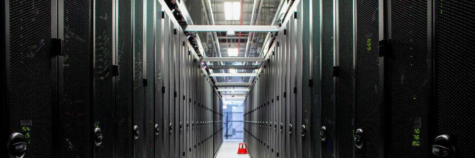 DevOps, mehr Flash-Storage im Rechenzentrum aufgrund weiter fallender Preise und die Evolution des klassischen IT-Administrators hin zu einem Manager für Daten gehören für Netapp-Manager Lee Caswell zur den wichtigsten IT-Trends 2016.