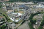 Luftaufnahme des Chemieparks, betrieben von Infraserv Knapsack, in Hürth. Der Chemieparkbetreiber lagert und wartet die Magnetkupplungspumpen von CP Pumpen für Bayer.