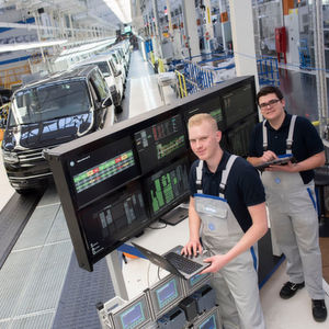 """VW-Nutzfahrzeuge passt seine Berufsausbildung am Standort Hannover an: Ein neues Schwerpunktthema für die Auszubildenden ist """"Industrie 4.0""""."""