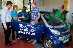 Im Rahmen des Entwicklungskonsortiums DINA (Diagnose und Instandsetzung für Elektrofahrzeuge) haben Experten ein wettbewerbsfähiges Instandsetzungskonzept für die Diagnose und Reparatur von Elektrofahrzeugen erarbeitet.