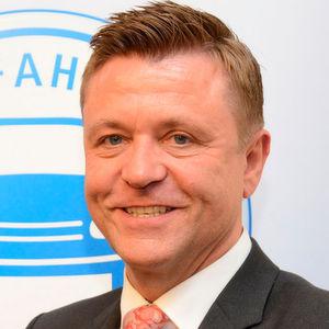 ZDK-Vizepräsident und Bundesinnungsmeister Wilhelm Hülsdonk warnt vor Apps in der Schadenregulierung.
