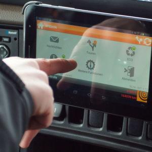 Mit der mobilen Softwarelösung Spedion für Android-Geräte haben Kraftfahrer stets Überblick über ihre Aufträge, Lenk- und Ruhezeiten und von der Zentrale definierten Aufgaben.