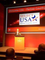 John B. Emerson, US-Botschafter in der Bundesrepublik Deutschland bei der Hannover Messe Preview 2016. Die USA ist in diesem Jahr Partnerland der Messe.