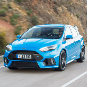 Der neue Ford Focus RS spielt in der Leistungsoberliga seines Segments und misst sich dort mit Hochkarätern wie Mercedes A45 AMG, BMW M2 oder Audi RS3.